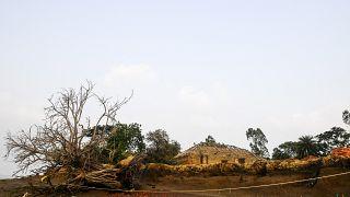 الساحل المتأثر بظاهرة التعرية في جزيرة غورامارا على بعد 110 كيلومترات جنوب كولكاتا في الهند.