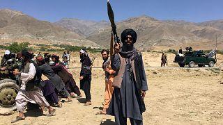 Pencşir'in merkezini ele geçiren Taliban örgütüne mensup bir militan
