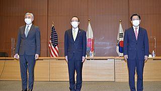 ABD, Japonya ve Güney Kore'nin temsilcileri Kuzey Kore meselesini masaya yatırdı.