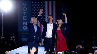 Les Californiens votent sur la révocation de leur gouverneur