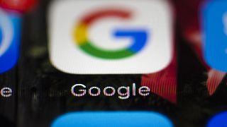 """Google üreticilerin telefonlara """"Android çatalı"""" olarak bilinen modifiye edilmiş versiyonları yüklemesini yasaklıyor"""