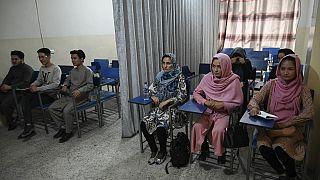 Afganistan'da eğitim - öğretim yılı 'Taliban yöntemleri' altında başladı