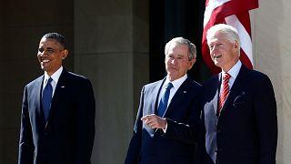 Eski ABD Başkanları Barack Obama (sol), Geogre W. Bush (orta), Bill Clinton (sağ)