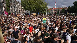 Hollanda'da 11 Eylül'de yapılan kısıtlama karşıtı protesto