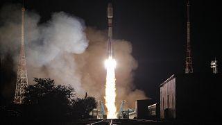 "Старт ракеты ""Союз-2.1б"""
