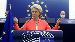 Ursula von der Leyen beszéde közben az Európai Parlamentben