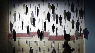 La Macchina Magritte, la personale in scena al Museo Thyssen di Madrid