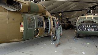 À l'aéroport de Kaboul, de nombreux vestiges de la présence américaine