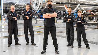 Elon Musk au centre et ses 4 premiers astronautes amateurs pour la mission Inspiration4, à Cap Canaveral, en Floride, 15 septembre 2021