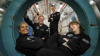 سرنشینان پرواز فضایی «۴ الهامبخش»