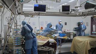 یک بیمارستان در فرانسه