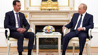 Una de sus últimas reuniones antes de aislarse fue con el presidente sirio Bachar el Assad, el martes