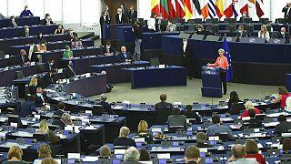 Η πρόεδρος της ΕΕ απευθύνεται στο Ευρωπαϊκό Κοινοβούλιο