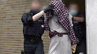 Almanya'da sinagog saldırısı gerçekleştireceği şüphesiyle tutuklanan bir kişi