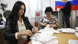 Le parti de Vladimir Poutine arrive en tête des législatives