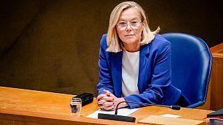 La ministra de Exteriores de Países Bajos renuncia por retrasos en Afganistán