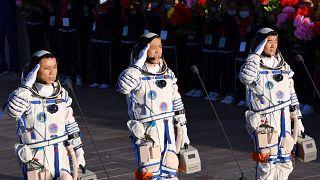 Les trois taïkonautes, Nie Haisheng, Liu Boming et Tang Hongbo le jour de leur départ, juin 2021