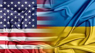 پرچمهای اوکراین و آمریکا