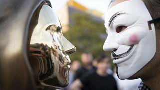 Macaristan'da Bitcoin'in gizemli kurucusu Satoshg Nakamoto'nun heykeli dikildi