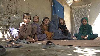 Rabia, viuda de un soldado afgano, y sus cinco hijos en Kandahar