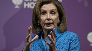 نانسي بيلوسي رئيسة مجلس النواب في الكونغرس