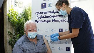 Εμβολιασμός κατά Covid-19 στην Κρήτη