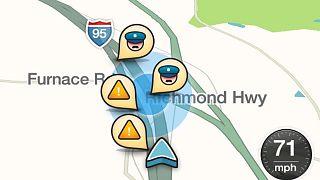 يتيح تطبيق ويز مثلاً للسائقين الكشف عن حواجز الشرطة أو الرادارات قبل الوصول إليها