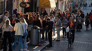 الهولنديون لا زالوا الأطول في العالم