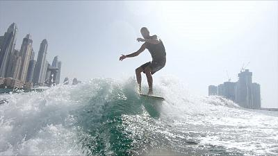 Wakesurfing in Dubai