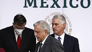 El presidente cubano, Miguel Díaz-Canel, está junto a su homólogo mexicano, Andrés Manuel López Obrador, durante las celebraciones del Día de la Independencia de México