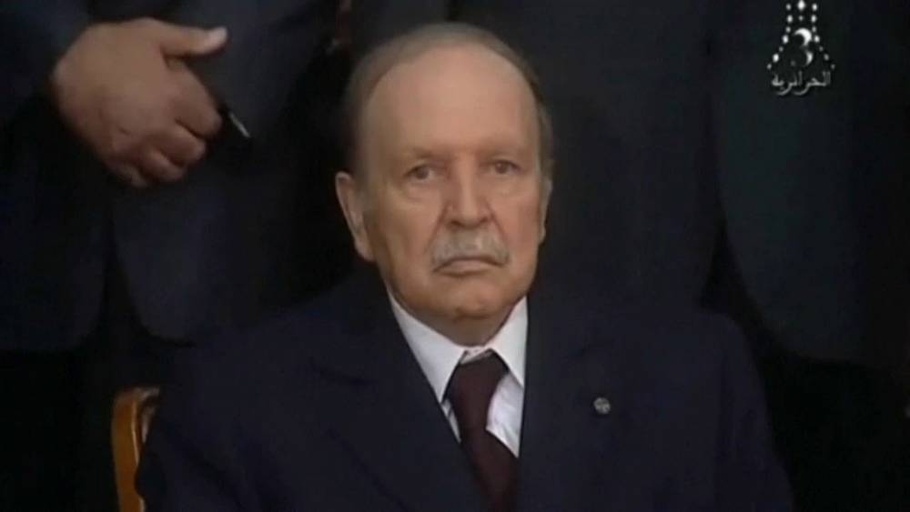 Algeria's longest-serving president Abdelaziz Bouteflika dies at 84 thumbnail