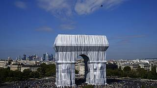 Now you can touch it: wrapped Arc de Triomphe opens to the public