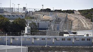 Grecia, polemiche sui nuovi campi per migranti
