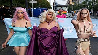 شاهد: مسيرة فخر المثليين في بلغراد