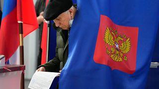 В России проходят выборы в Госдуму.