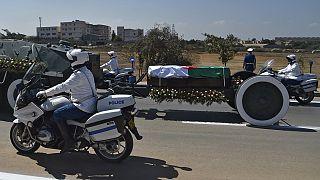 Algérie: début de la cérémonie d'inhumation de l'ex-président Bouteflika