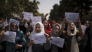 Mulheres excluídas do novo Governo afegão