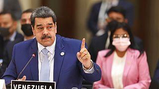 El presidente Nicolás Maduro y la ministra de Exteriores Delcy Rodríguez