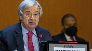 António Guterres az Afganisztánnak nyújtandó humanitárius segítségről szóló adományozói értekezleten a genfi ENSZ-palotában 202