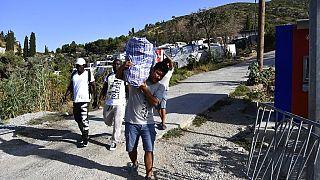 """Samos, il nuovo campo migranti e """"il sollievo"""" dei locali"""