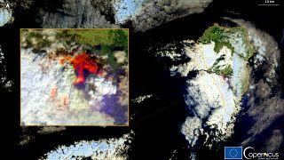 گدازههای آتشفشان در خیابان لا پالما؛ ۱۰۰ واحد مسکونی تخریب شد