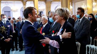 Macron pays tribute to Harki soldiers in ceremony at Élysée Palace