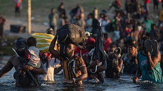 مهاجرانی از کشور هائیتی در مرزهای ورودی به ایالت تگزاس