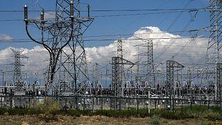 """الاتحاد الأوروبي يدعو إلى إصلاحات """"طويلة الأجل"""" للاستثمار في توفير الطاقة لمواجهة اتفاع أسعار الكهرباء"""