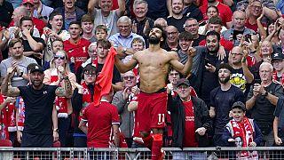 محمد صلاح بعد تسجيله الهدف الثاني خلال مباراة الدوري الإنجليزي لكرة القدم بين ليفربول وكريستال بالاس على ملعب أنفيلد، ليفربول، إنجلترا، السبت 18 سبتمبر 2021