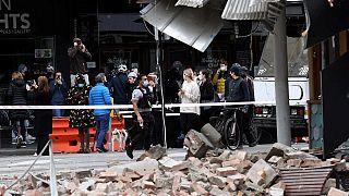 Des dégâts visibles dans la rue commerçante Chapel Street à Melbourne (Australie) ce mercredi 22 septembre