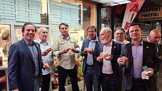 وزير الصحة البرازيلي مع الرئيس بولسونارو وعدد من وفد البرازيل في نيويورك لحضور أعمال الجمعية العامة للأمم المتحدة