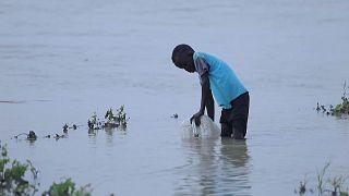 Refugiado sul-sudanês procura um lugar seguro