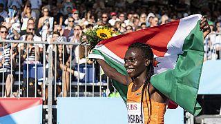 L'athlète Francine Niyonsaba est de retour au Burundi