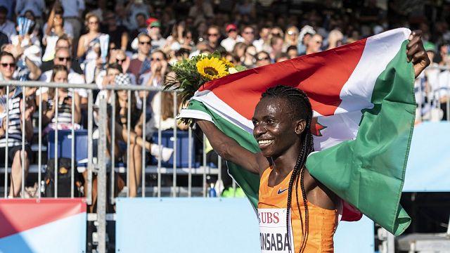 L'athlète Francine Niyonsaba de retour au Burundi